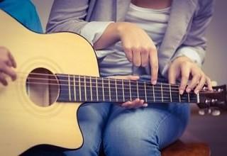 Gitarre lernen für Anfänger: 7 Wichtige Tipps und Hilfestellungen