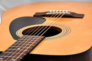 Westerngitarre kaufen und Infos