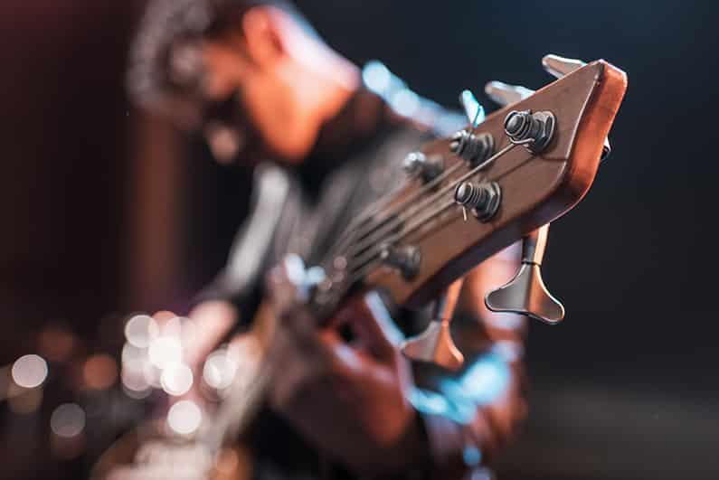 Von den besten Gitarristen der Welt lernen