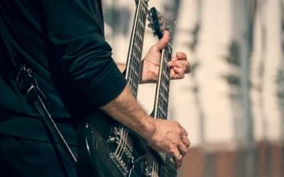 Kontragitarre / Schrammelgitarre – eine Gitarre mit dem gewissen Extra